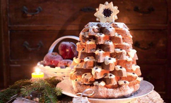 Pandoro con crema al mascarpone a forma di albero di Natale - in3click.tv